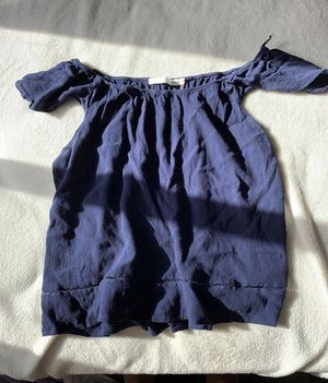 Navy blue blouse for Sale in San Antonio, TX