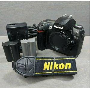 Nikon D70s 6.1MP Digital SLR Camera for Sale in Henderson, NC