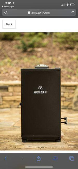 Masterbuilt MB20071117 Digital Electric Smoker, 30 inch, Black for Sale in Lemont, IL