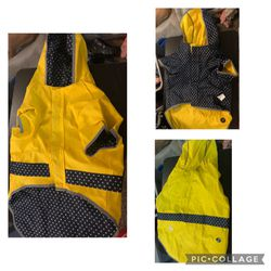 New Dog Reverseable Rain jacket for Sale in Portland,  OR