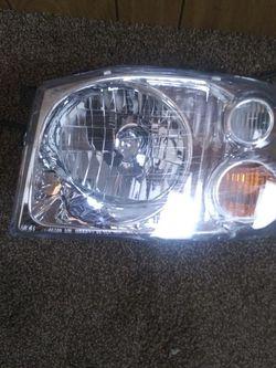 2004 Toyota headlight for Sale in Newton,  NC