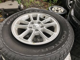 2019 Jeep Grand Cherokee Oem wheels tires brand new take offs for Sale in Delray Beach,  FL