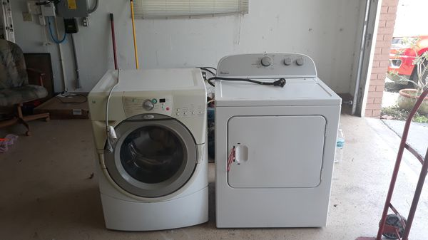 Free washer and dryer both work. They need to leave my garage.