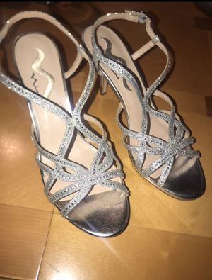 Brand new 9.5 Nina Veralee Silver Sparkly Heels for Sale in New York, NY