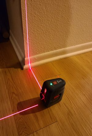 Bosch 3-Line 50-ft Red Beam Self-Leveling Line Generator Line Laser Level with Plumb Points for Sale in San Diego, CA