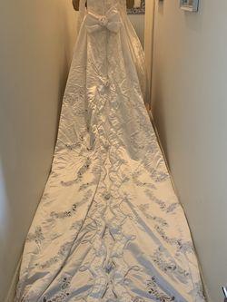 Wedding Dress for Sale in Edgewater,  NJ