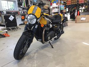 2017 Triumph street cup motorcycle 574 miles will trade for Sale in Westford, MA