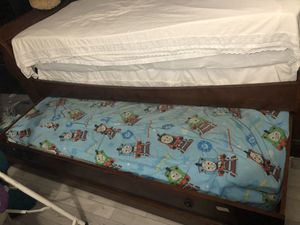 Pull out bed trundle (twin) for Sale in Delray Beach, FL