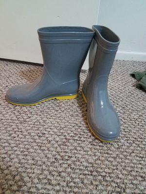 Size 7 Gray Rain Boots for Sale in Pleasant Grove, UT