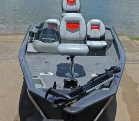 Killer Edition 2018 Bass Tracker Pro Boat for Sale in Ontario,  CA
