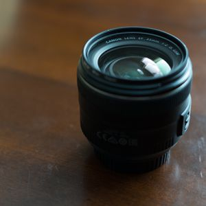 Canon EF 35mm f/2 IS USM for Sale in Berkeley, CA