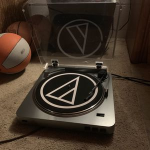 Audio technica turntable for Sale in Painesville, OH