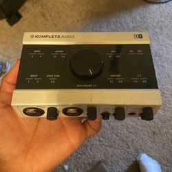 Native Instruments Komplete Audio 6 audio interface for Sale in Tucson,  AZ