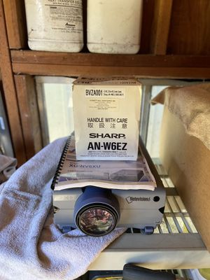 Note vision 6 projector with brand new sharp wide zoom lens for Sale in Gresham, OR