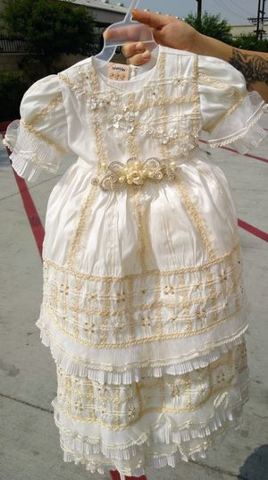 Beautiful baptismal dress with bonnet and shoe's for Sale in Paramount, CA