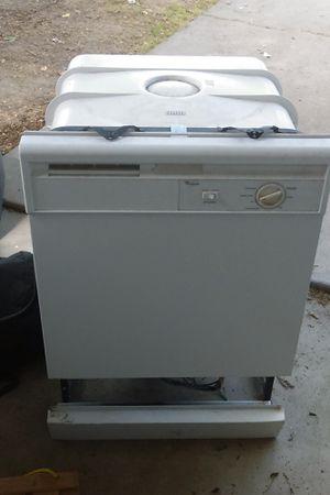 Whirlpool Dishwasher for Sale in Modesto, CA