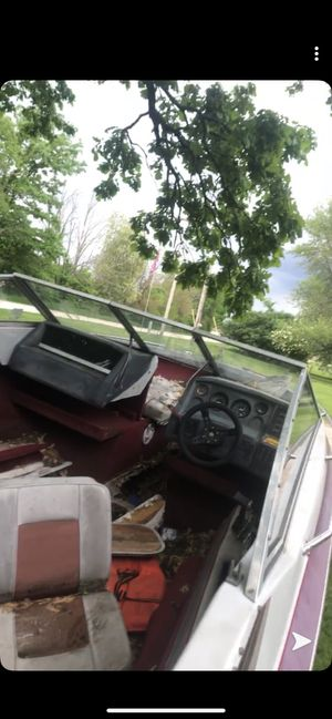 1980s maxum 125hp ski boat, for Sale in Newark, IL