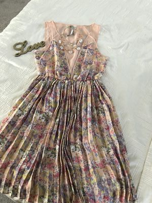 Lauren Conrad summer dress for Sale in Santa Fe Springs, CA