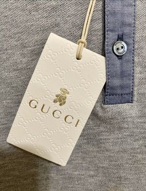 Authentic gucci shirt 36m for Sale in Reedley, CA