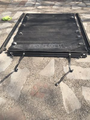 S-10 cover lid bed truck for Sale in Detroit, MI