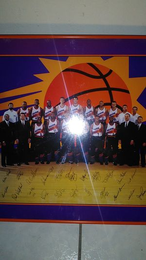 1994-1995 Phoenix sun's picture frame with signatures for Sale in Phoenix, AZ