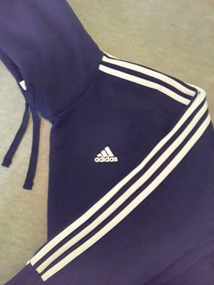 Adidas (pullover hoodie) for Sale in Decatur, GA