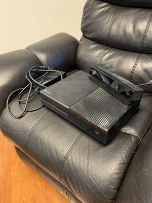 Xbox One w/ Kinect for Sale in Colton, OR