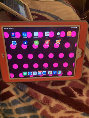 iPad 6Th Gen and IPod Touch 6 th gen for Sale in Riverton, WY