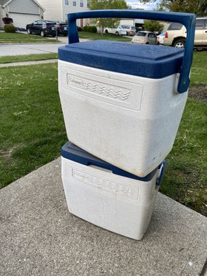 2 small coolers for Sale in Columbus, OH