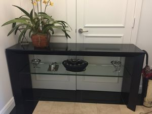 Console table - side table - 63 w x 32 h x 16 d for Sale in Miami, FL