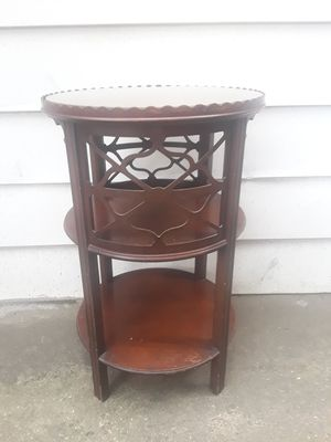 Antique Luce End Table for Sale in Pittsburgh, PA