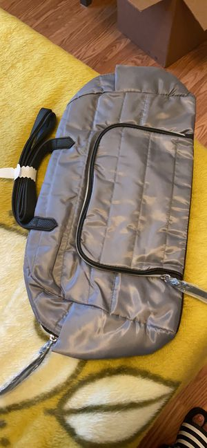 Grey duffle bag for Sale in Erie, PA