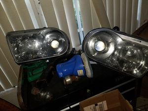 Chrysler 300C OEM factory headlights. for Sale in West Palm Beach, FL