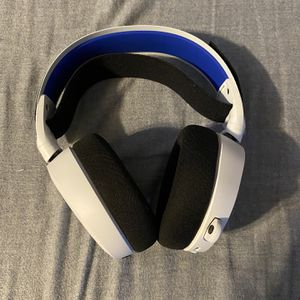 Arctis 7p PS5 headset for Sale in Fresno, CA