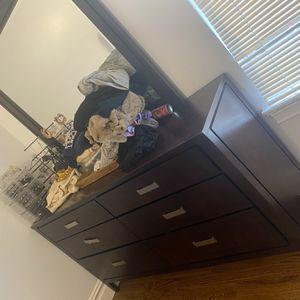 Dresser/nightstand for Sale in Jersey City, NJ