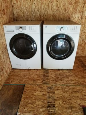 Kenmore washer and dryer for Sale in Lakewood, WA