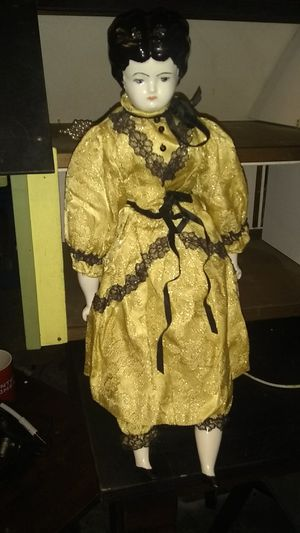 Antique doll perfect condition for Sale in Austin, TX