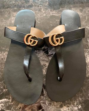 GUCCI Sandals for Sale in Chicago, IL