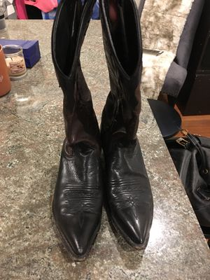 Authentic genuine leather cowgirl boots sz 6 for Sale in Boston, MA