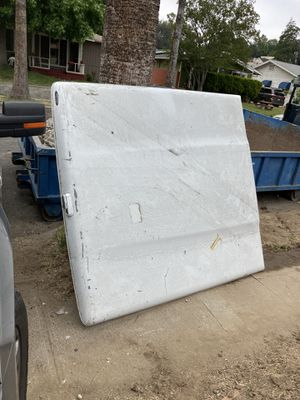 Fiberglass bed cover for Sale in Los Angeles, CA