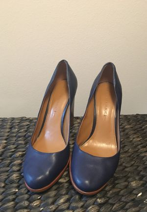 Sz 8 Banana Republic Navy heels for Sale in Kent, WA