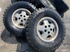 """15"""" 4 wheels Jeep 5 lug for Sale in Gilroy, CA"""