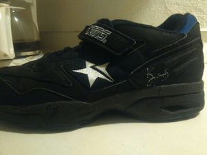 Phoenix Suns shoe worn and autographed by Kevin Johnson for Sale in Phoenix, AZ