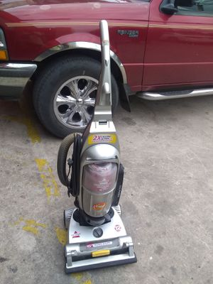 Nice vacuum cleaner for Sale in San Antonio, TX