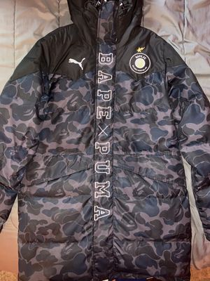 Bape X Puma collaboration Sz M (Shipping only) for Sale in Miami, FL