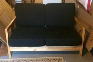 Love seat small couch for Sale in Tampa, FL