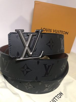 Louis Vuitton Reversible Pyramid Belt (Black Friday Sale) for Sale in Queens, NY