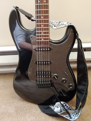 SquierBullet Stratocaster HSS Hardtail Limited edition w/ black hardware+black metallic finish for Sale in Gig Harbor, WA