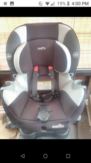 Evenflo convertible car seat for Sale in Bethlehem, PA
