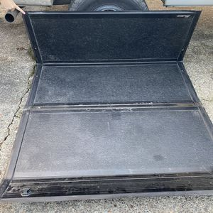 Truck Tunnel Cover Trifold for Sale in Graham, WA